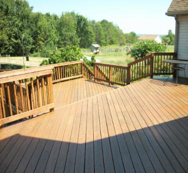 Deck Pressure washing and staining in lodi Ohio